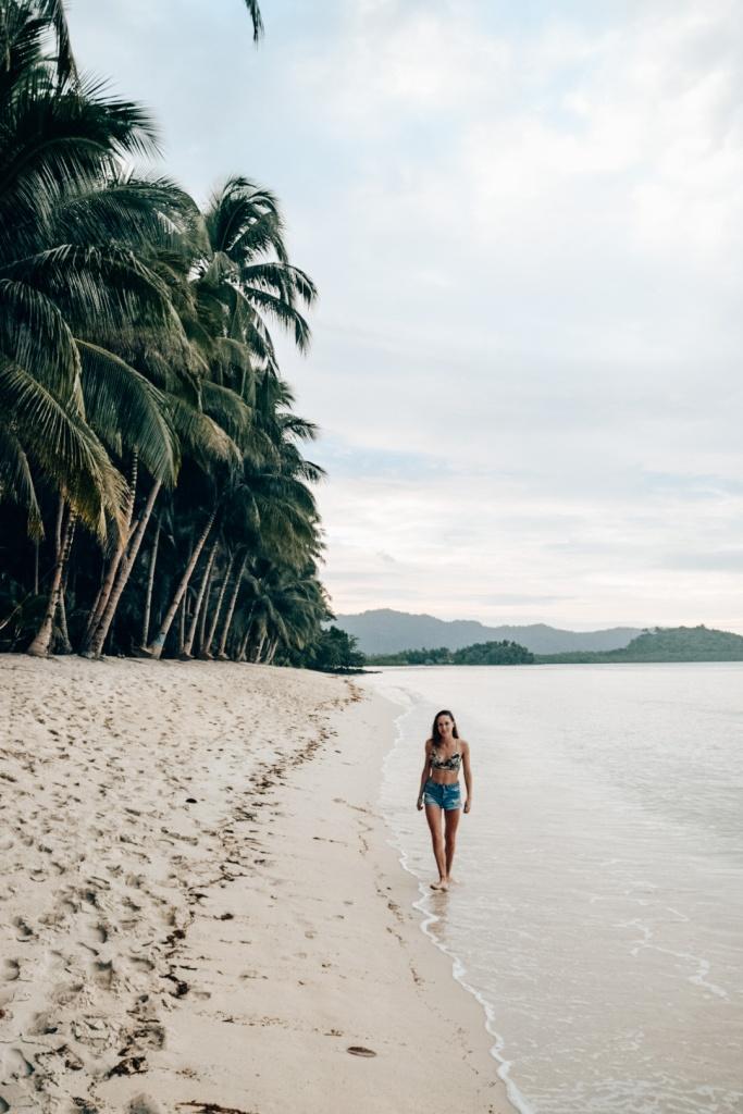 White beach in Port Barton, De Filipijnen